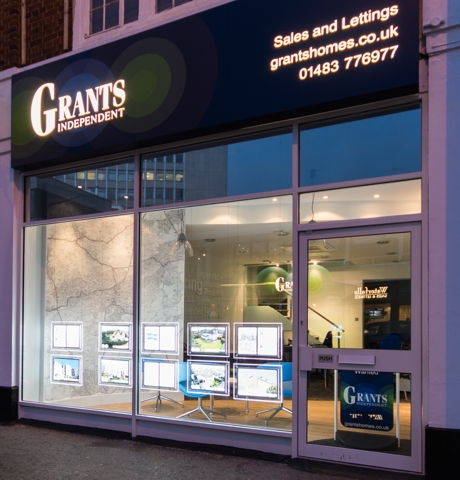 Grants Independent Window Display